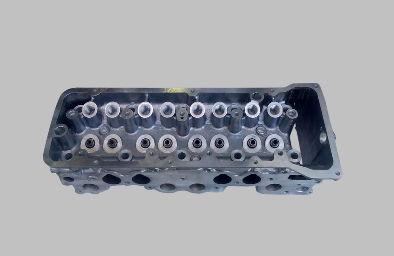 Глава цилиндрова 1,7 i с отвор за датчик